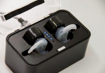 奇抜さ優先で購入したBluetooth イヤフォン OKCSC S08。使い勝手は…。